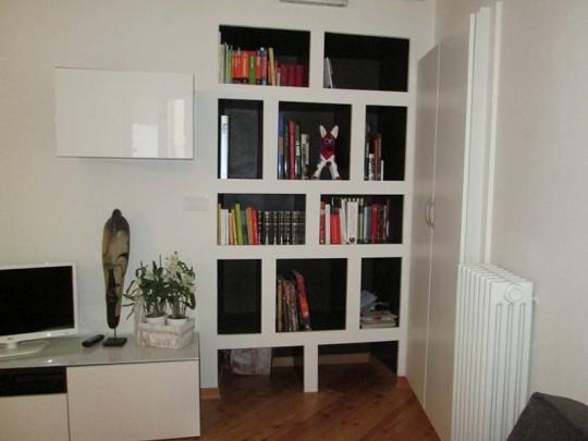 Richiesta cliente : installare una libreria in cartongesso in una ...
